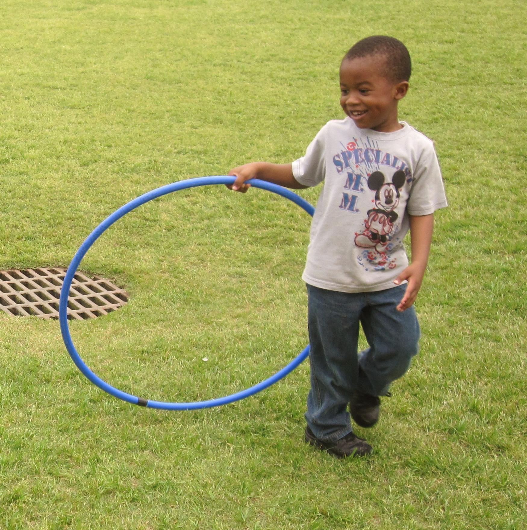 happy hula hoop kids cara zara. Black Bedroom Furniture Sets. Home Design Ideas